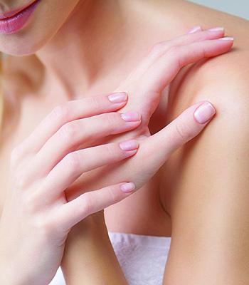 Manos-suaves-Productos-y-Cuidados-con-las-manos-en-cada-edad-de-la-mujer