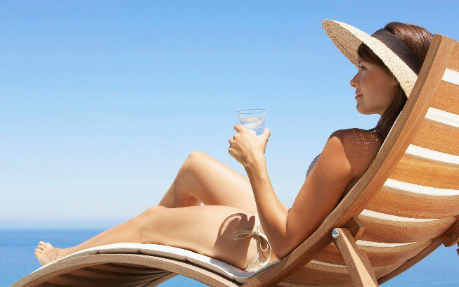 How+To+Sunbathe+Safely